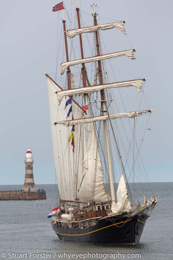 The Gulden Leeuw sailing past Roker Pier and into the Port of Sunderland
