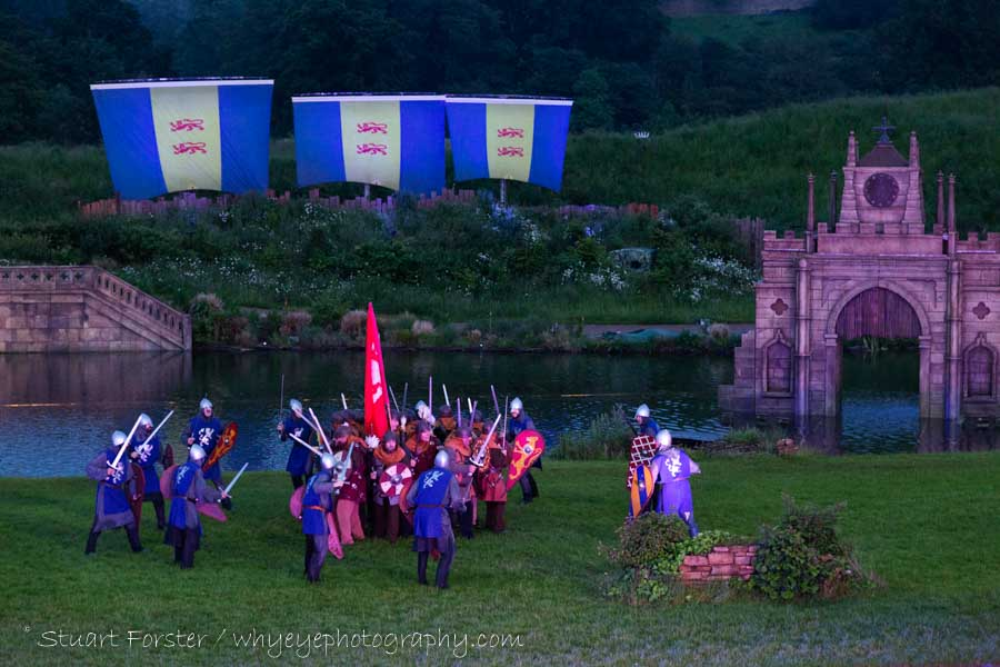 A scene depicting fighting between Saxons and Normans at the Battle of Hastings during a performance of Kynren